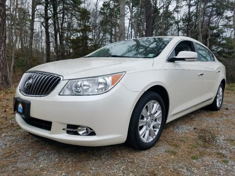 Summit White 2013 Buick LaCrosse FWD