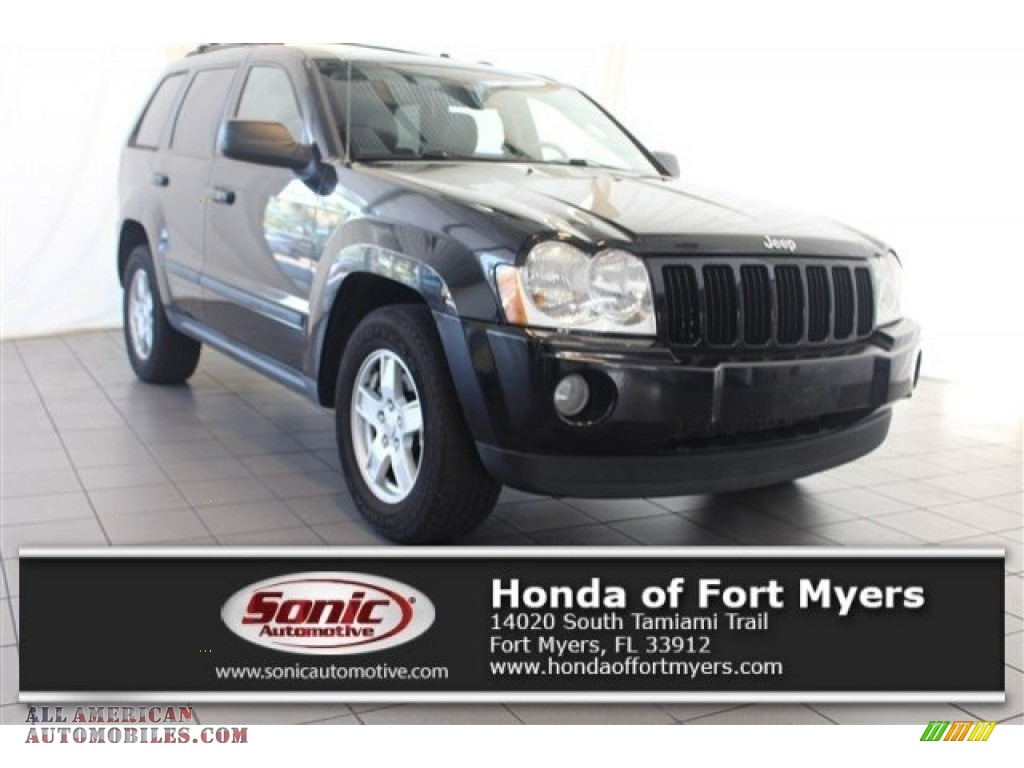 2007 Grand Cherokee Laredo 4x4 - Black / Medium Slate Gray photo #1