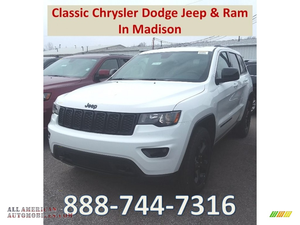 Bright White / Black Jeep Grand Cherokee Laredo 4x4