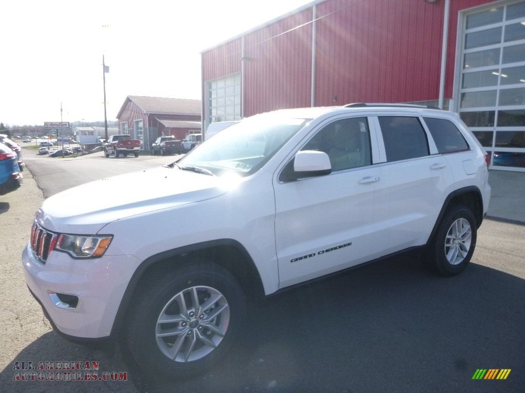 2018 Grand Cherokee Laredo 4x4 - Bright White / Black/Light Frost Beige photo #1