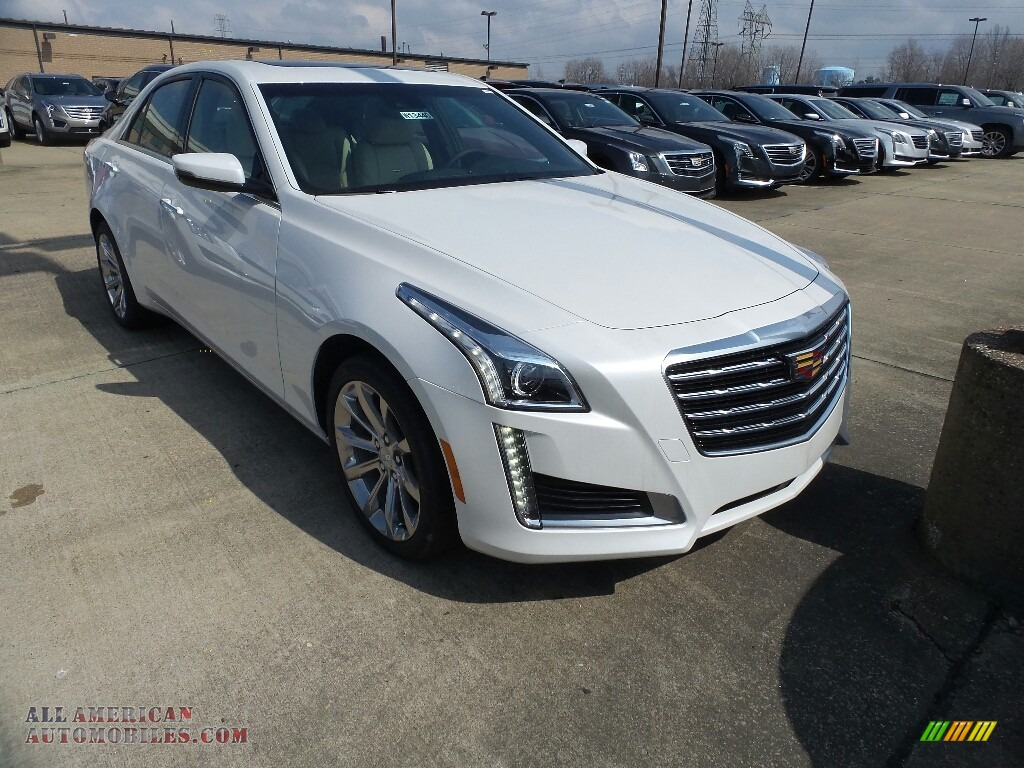 2018 CTS Luxury AWD - Crystal White Tricoat / Very Light Cashmere/Jet Black Accents photo #1