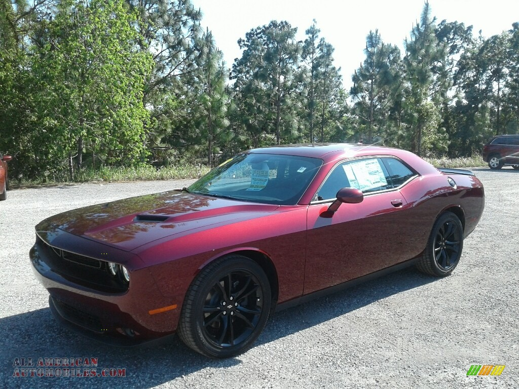 2018 Challenger SXT - Octane Red Pearl / Black photo #1