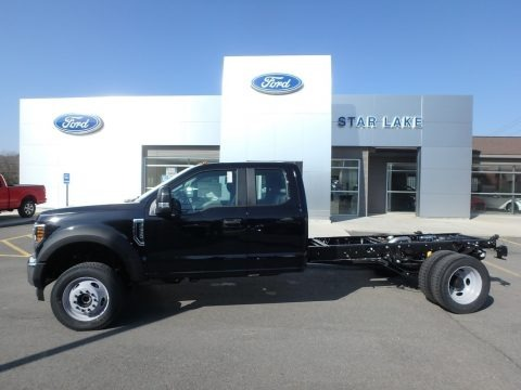 Black 2018 Ford F550 Super Duty XL SuperCab 4x4 Chassis