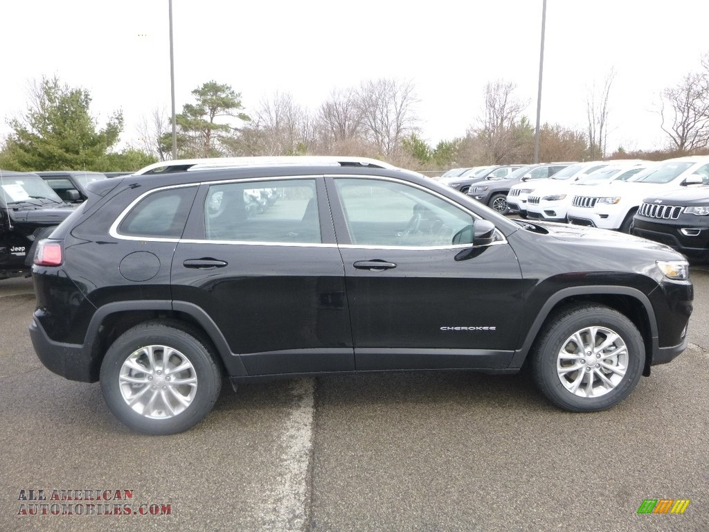 2019 Cherokee Latitude 4x4 - Diamond Black Crystal Pearl / Black photo #6