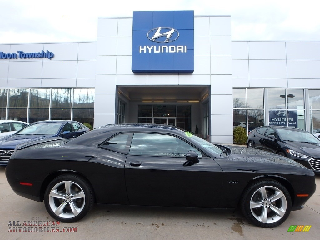 Pitch Black / Black Dodge Challenger R/T
