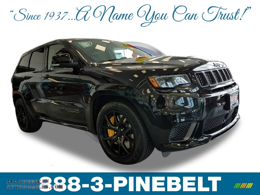 Diamond Black Crystal Pearl / Black Jeep Grand Cherokee Trackhawk 4x4