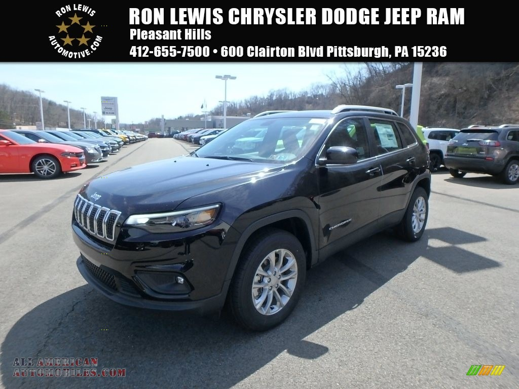 2019 Cherokee Latitude 4x4 - Diamond Black Crystal Pearl / Black photo #1
