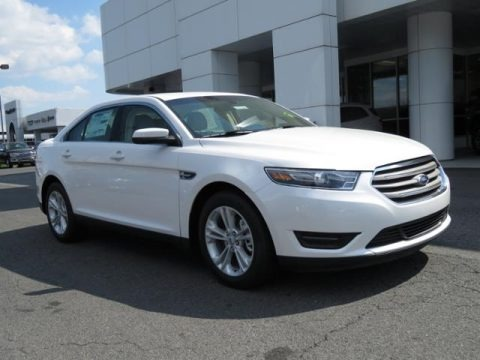 White Platinum 2018 Ford Taurus SEL