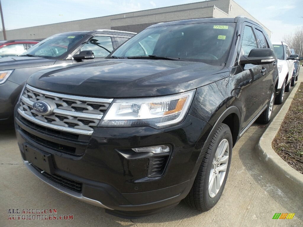 2018 Explorer XLT 4WD - Shadow Black / Ebony Black photo #1