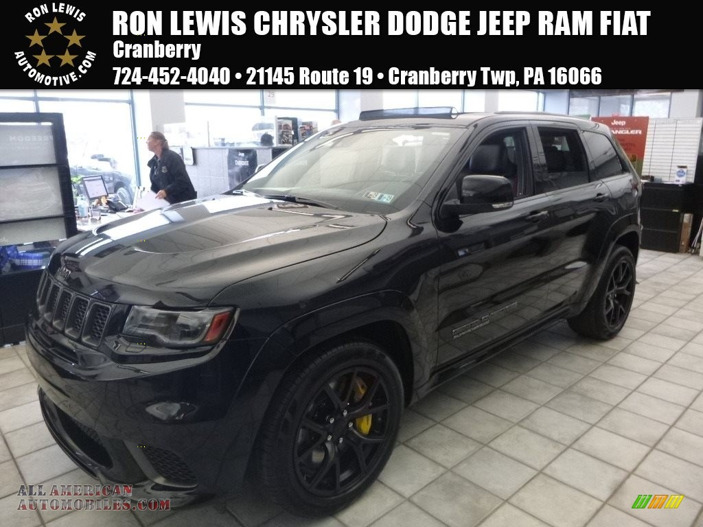 2018 Grand Cherokee Trackhawk 4x4 - Diamond Black Crystal Pearl / Black photo #1