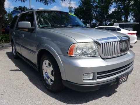 Satellite Silver Metallic 2006 Lincoln Navigator Luxury