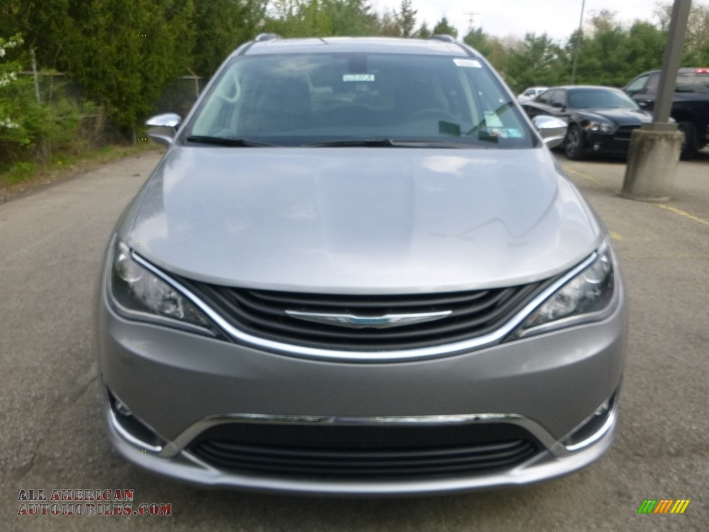 2018 Pacifica Hybrid Limited - Billet Silver Metallic / Black/Diesel photo #8