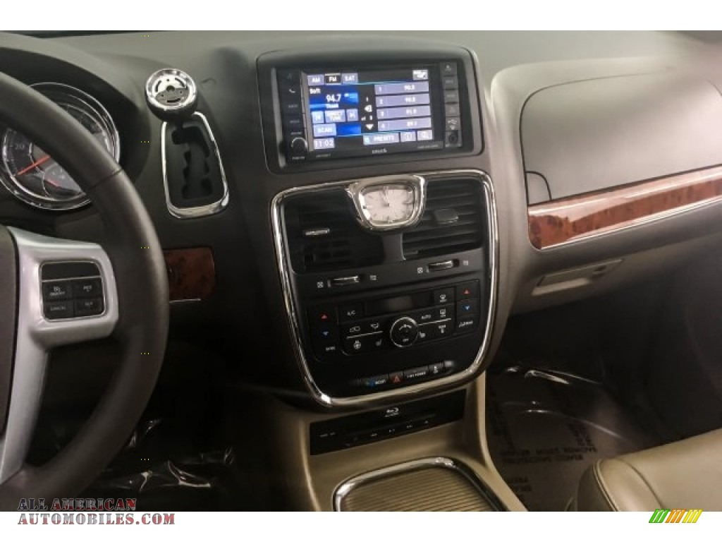 2014 Town & Country Touring-L - Deep Cherry Red Crystal Pearl / Dark Frost Beige/Medium Frost Beige photo #5