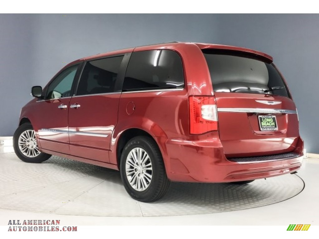2014 Town & Country Touring-L - Deep Cherry Red Crystal Pearl / Dark Frost Beige/Medium Frost Beige photo #10