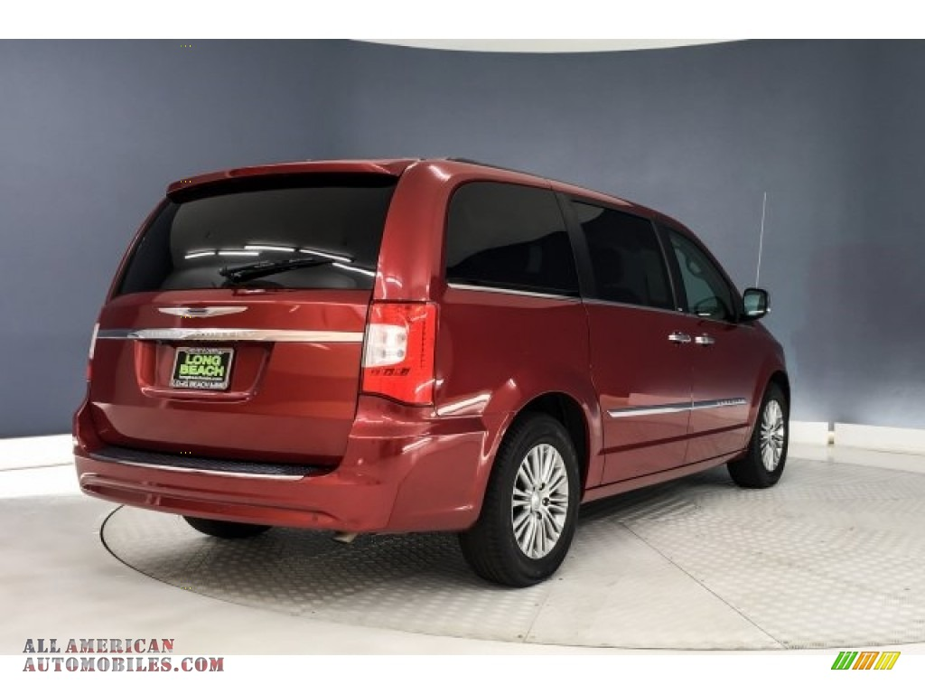 2014 Town & Country Touring-L - Deep Cherry Red Crystal Pearl / Dark Frost Beige/Medium Frost Beige photo #15