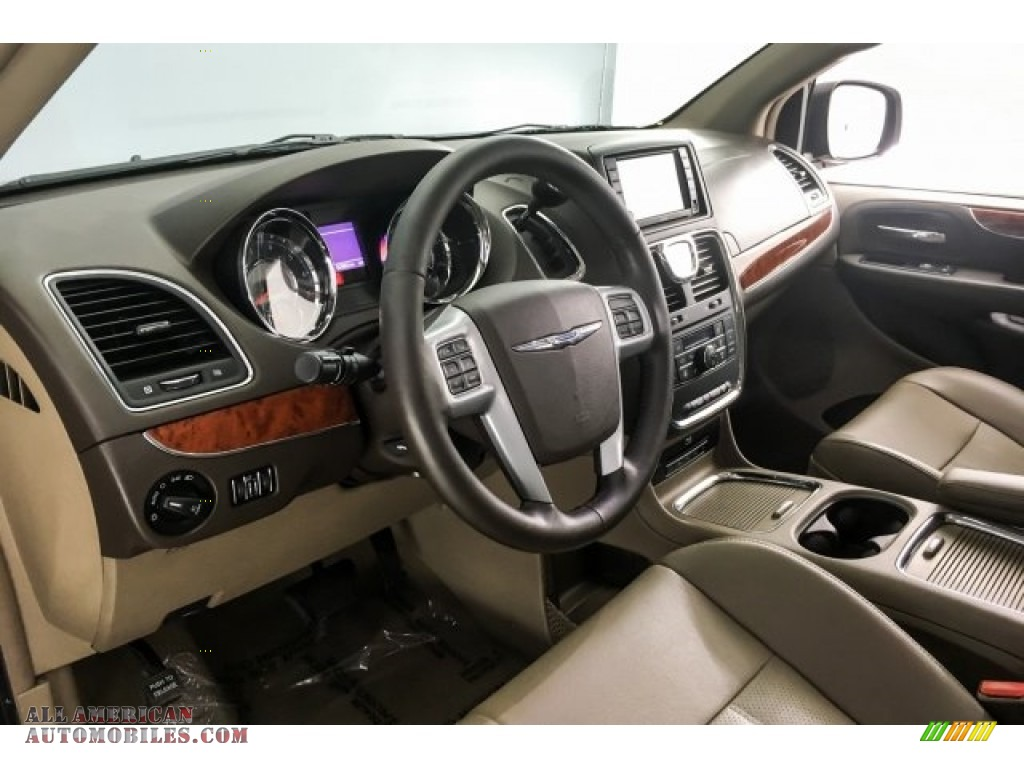 2014 Town & Country Touring-L - Deep Cherry Red Crystal Pearl / Dark Frost Beige/Medium Frost Beige photo #20