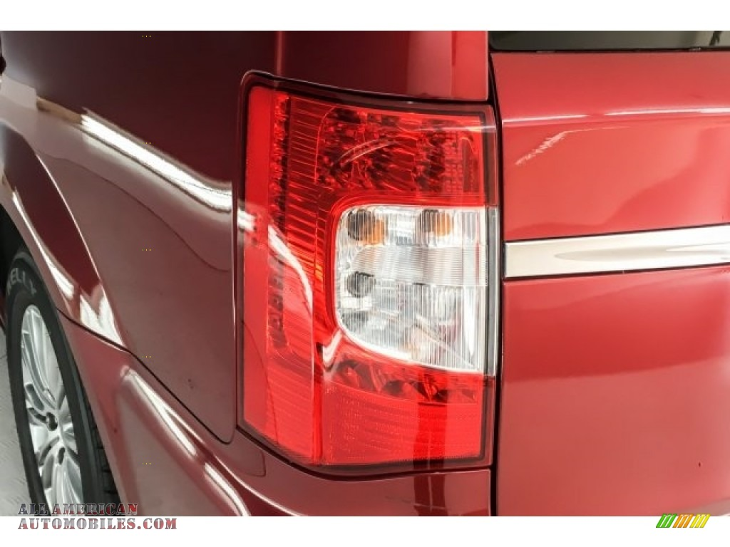2014 Town & Country Touring-L - Deep Cherry Red Crystal Pearl / Dark Frost Beige/Medium Frost Beige photo #30