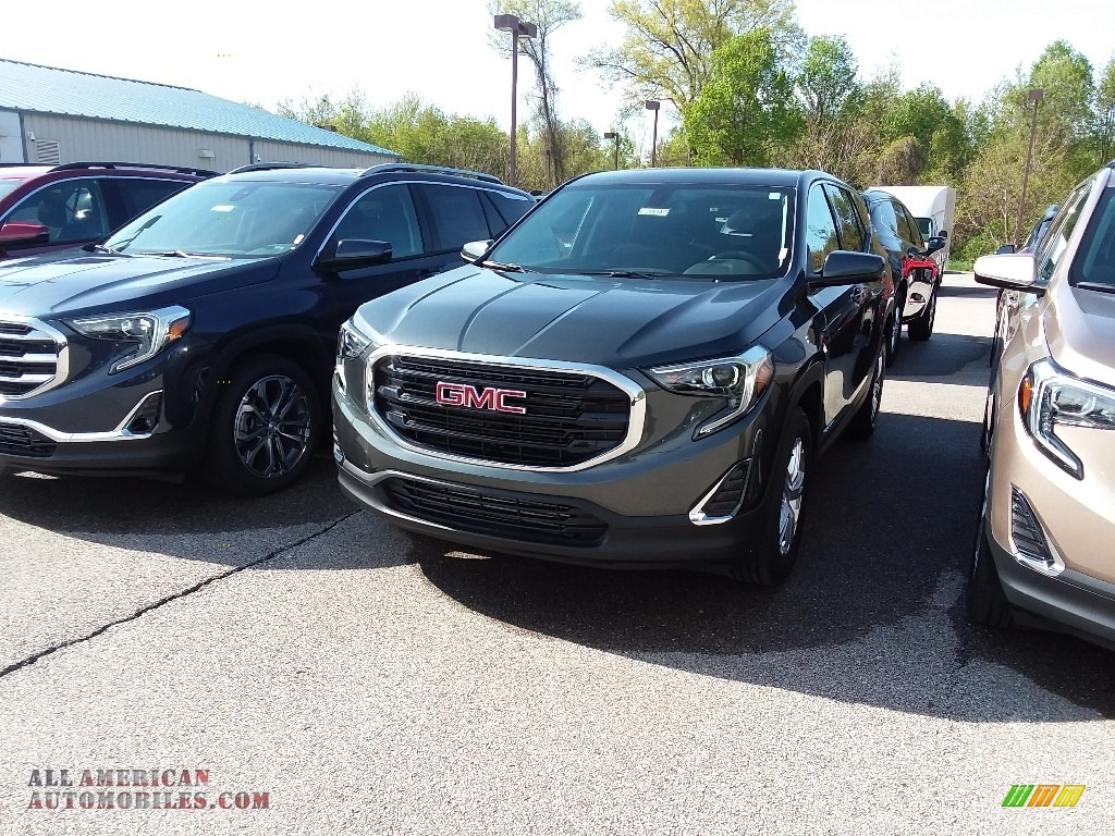Graphite Gray Metallic / ­Jet Black GMC Terrain SLE AWD