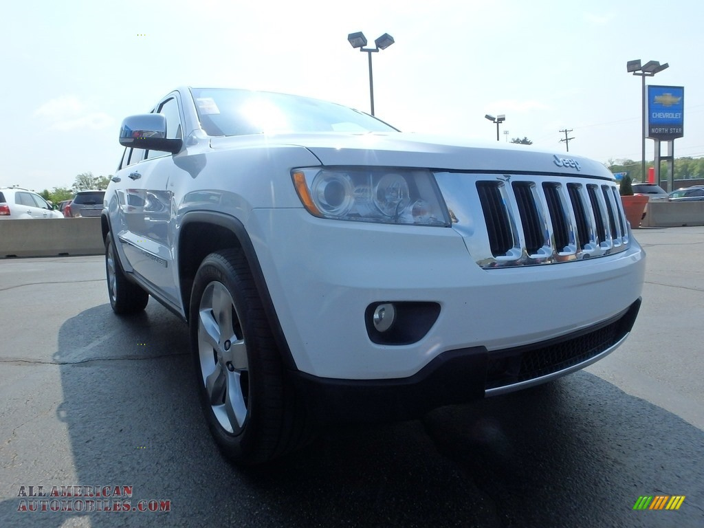 2013 Grand Cherokee Limited 4x4 - Bright White / Black/Light Frost Beige photo #12