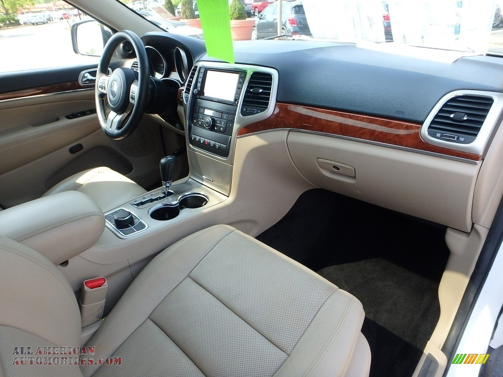 2013 Grand Cherokee Limited 4x4 - Bright White / Black/Light Frost Beige photo #16