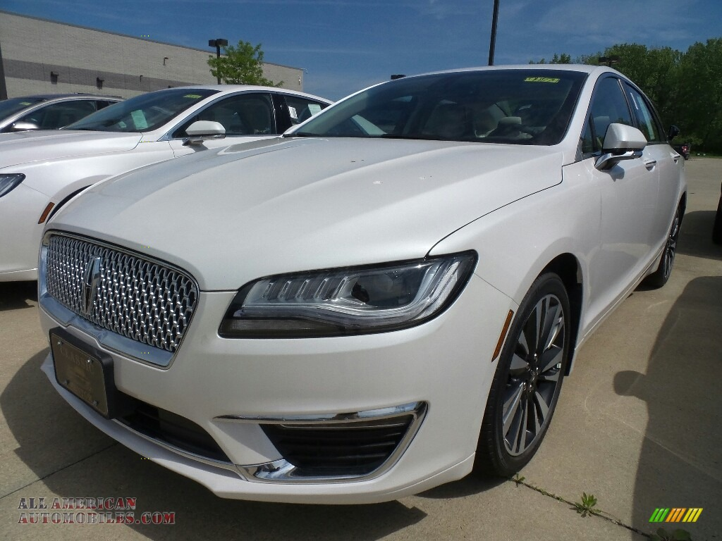 White Platinum Metallic Tri-Coat / Cappuccino Lincoln MKZ Reserve AWD