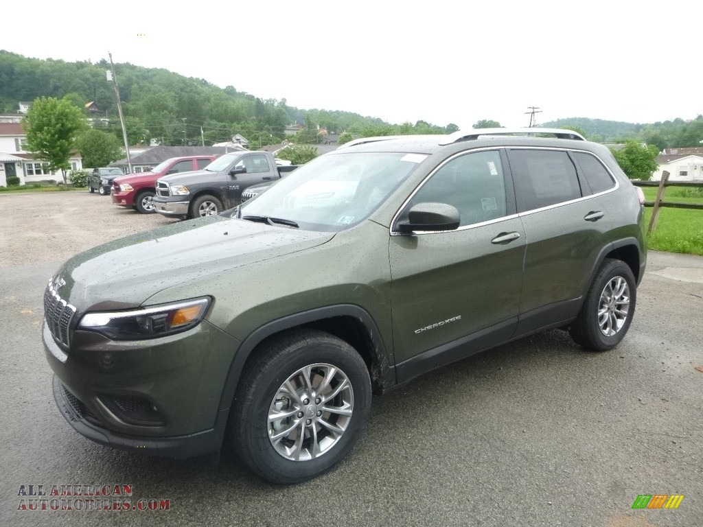 2019 Cherokee Latitude Plus 4x4 - Olive Green Pearl / Black photo #1