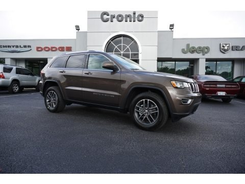 Walnut Brown Metallic 2018 Jeep Grand Cherokee Altitude