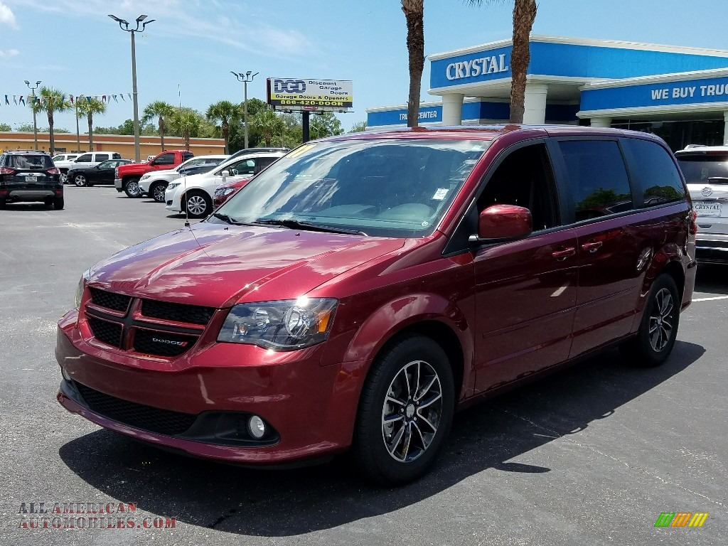 2017 Grand Caravan GT - Octane Red / Black photo #1