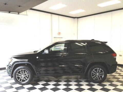 Diamond Black Crystal Pearl 2018 Jeep Grand Cherokee Trailhawk 4x4