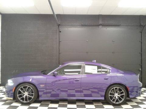 Plum Crazy Pearl 2018 Dodge Charger R/T Scat Pack