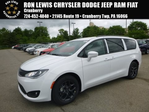 Bright White 2018 Chrysler Pacifica Touring L