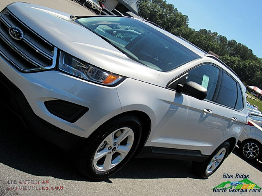 2018 Edge SE AWD - Ingot Silver / Ebony photo #28