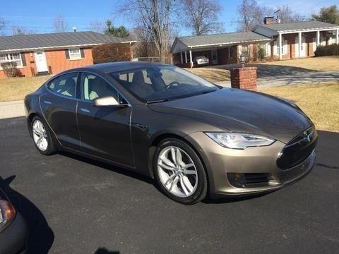 Titanium Metallic 2015 Tesla Model S 70D