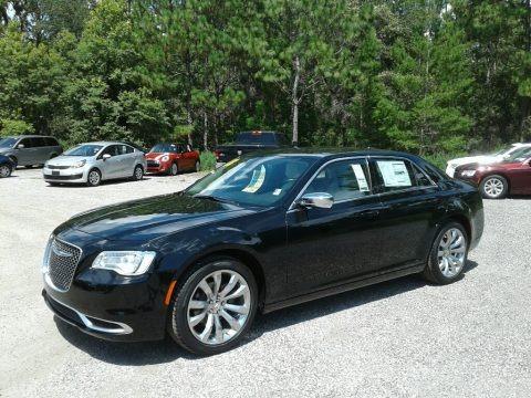 Gloss Black 2018 Chrysler 300 Touring