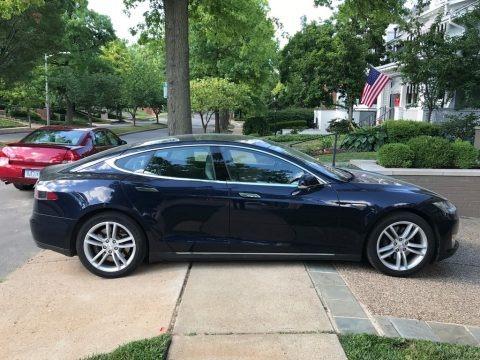 Blue Metallic 2014 Tesla Model S