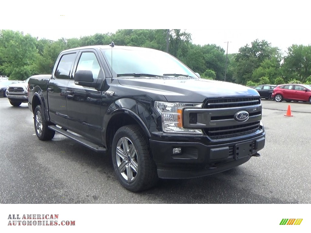 2018 F150 XLT SuperCrew 4x4 - Shadow Black / Earth Gray photo #1