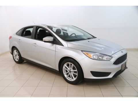 Ingot Silver Metallic 2015 Ford Focus SE Sedan