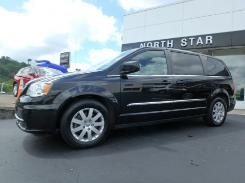 Brilliant Black Crystal Pearl 2014 Chrysler Town & Country Touring