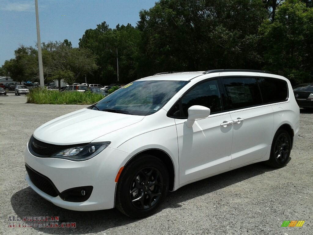 Bright White / Black/Alloy Chrysler Pacifica Touring Plus
