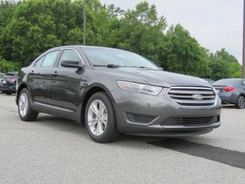 Magnetic 2018 Ford Taurus SE