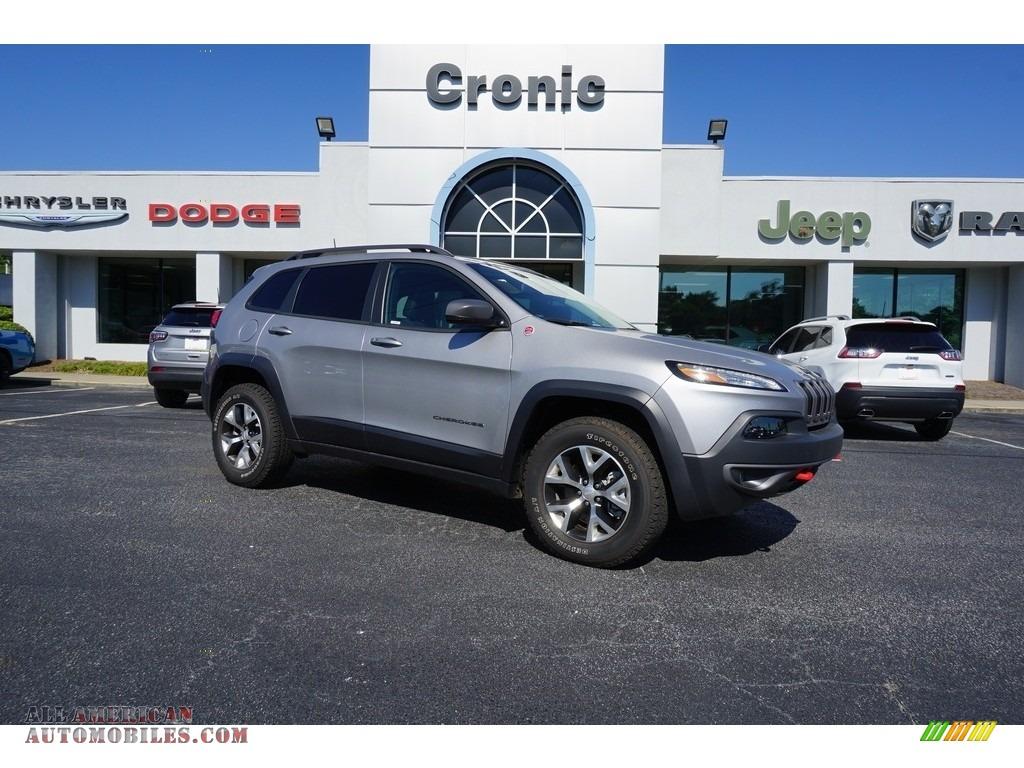 2018 Cherokee Trailhawk 4x4 - Billet Silver Metallic / Black photo #1