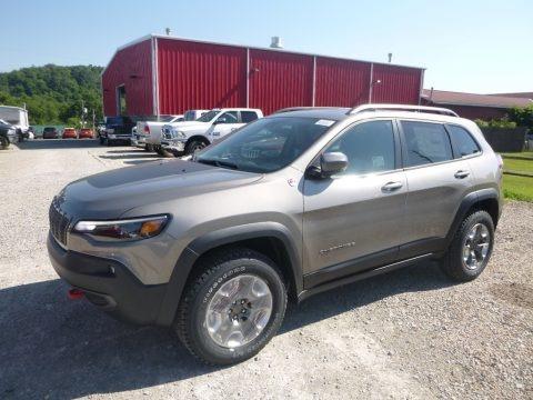 Light Brownstone Pearl 2019 Jeep Cherokee Trailhawk 4x4