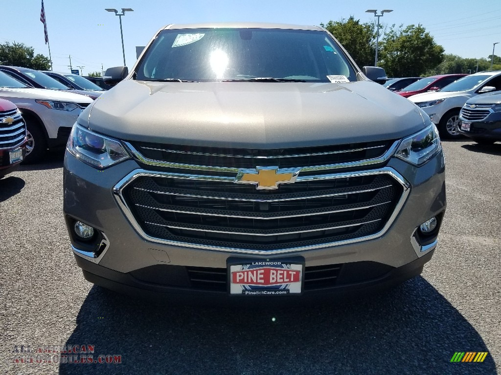 2019 Traverse LT AWD - Pepperdust Metallic / Jet Black photo #2