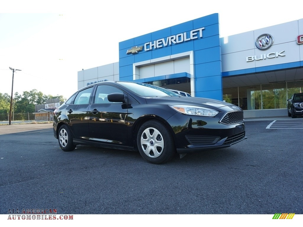 Shadow Black / Charcoal Black Ford Focus S Sedan