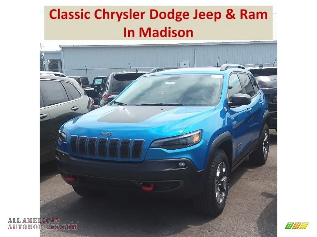 Hydro Blue Pearl / Black Jeep Cherokee Trailhawk 4x4