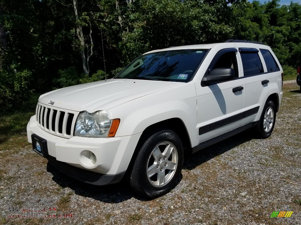 2006 Grand Cherokee Laredo 4x4 - Stone White / Medium Slate Gray photo #1