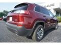 Jeep Cherokee Latitude Plus Velvet Red Pearl photo #9