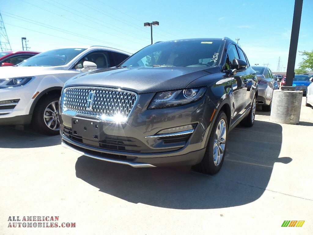 Magnetic Gray Metallic / Ebony Lincoln MKC Select
