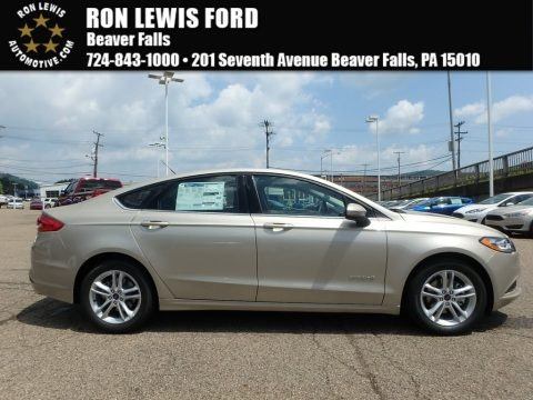 White Gold 2018 Ford Fusion Hybrid SE