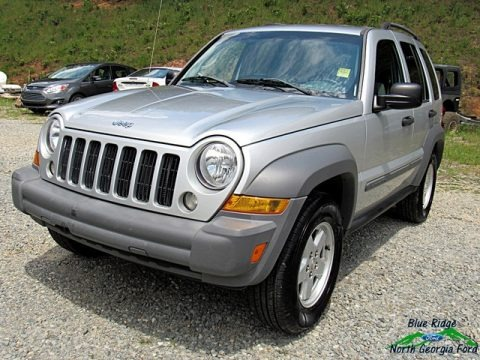 Bright Silver Metallic 2005 Jeep Liberty Sport